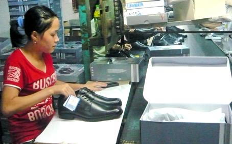 Luật Việt Á - Công ty cổ phần cao su màu đang tìm hướng tiếp cận thị trường còn nhiều tiềm năng ở Trung Đông
