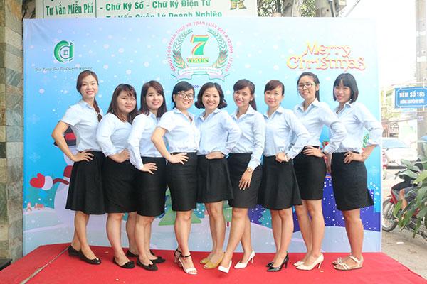 Nữ Luật Việt Á